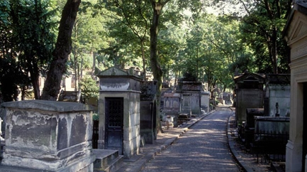 Guided visit of the Père-Lachaise Cemetary (in French)
