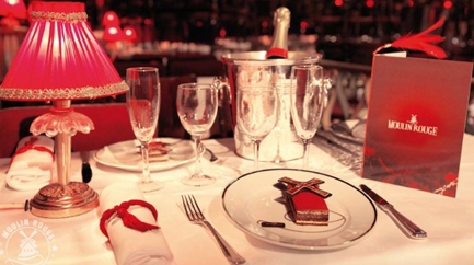 Dîner-Spectacle au Moulin Rouge - Offre spéciale Hobbizer