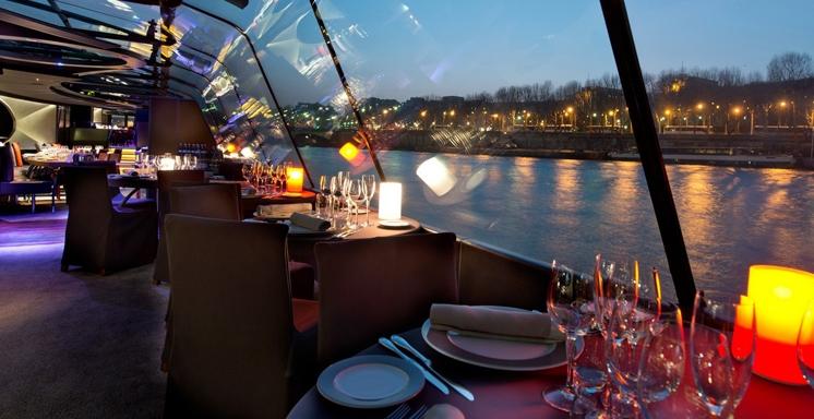 Luxury Dinner Cruise - Prime location