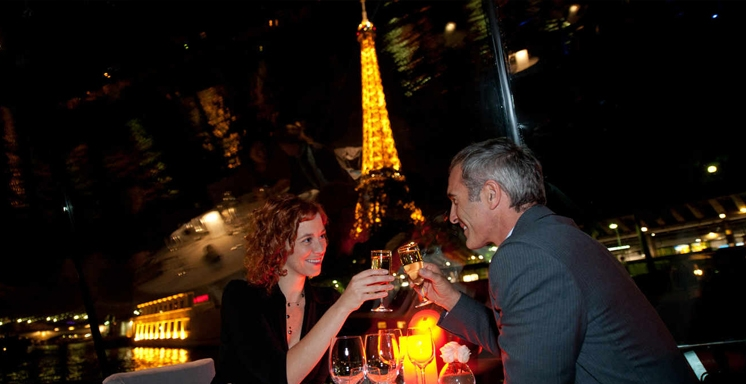 Dinner Cruise on the Seine - VIP location